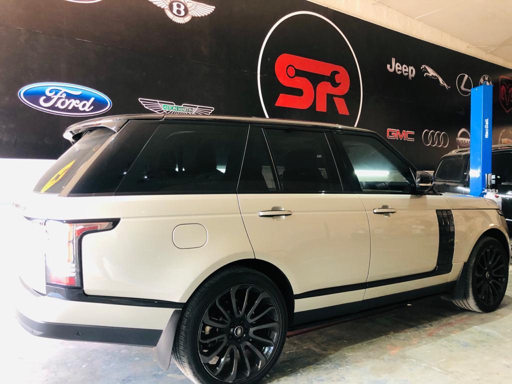 Range Rover at Super Ride